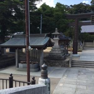 河上神社境内